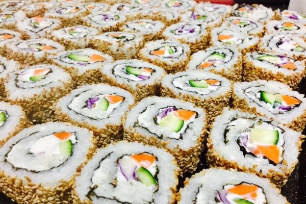 sushi-cateringF94129C1-D4CD-0275-B903-92AD03D8EAFB.jpg